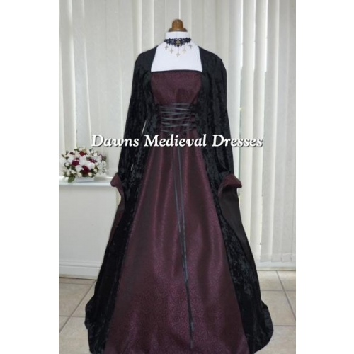 Medieval Renaissance Gothic Black and Burgundy  Dress 18-20 RM