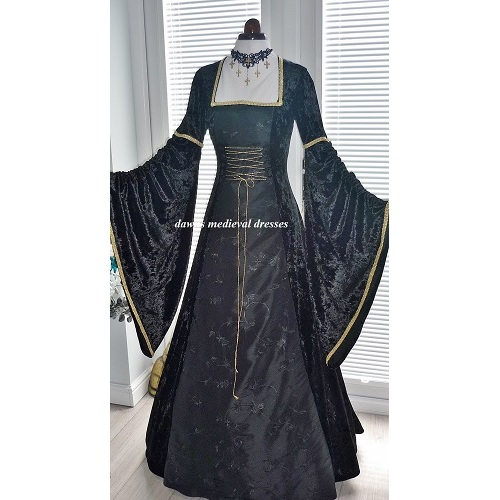 Medieval Gothic Wiccan wedding Dress Halloween Witch Costume