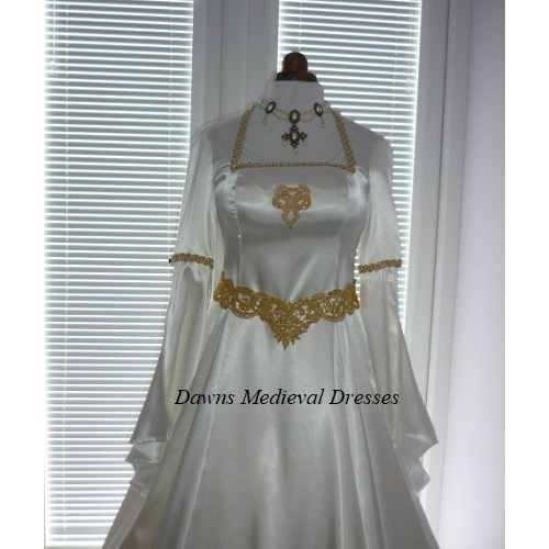 Pagan Medieval Hand fasting Ivory Wedding Dress 14 - 16 RM